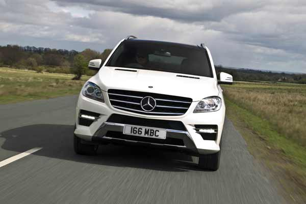 The ML 350 BlueTEC Sport features 4MATIC intelligent electronic all-wheel drive