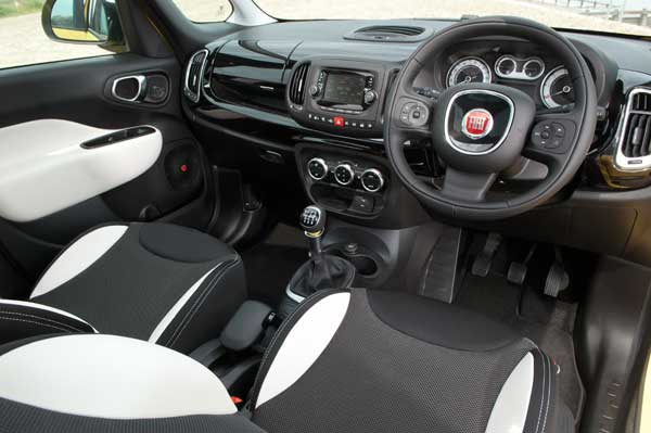As with other versions of the Fiat 500L, the 500L Trekking can be specified with an espresso coffee machine fully integrated into the centre console