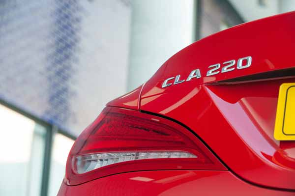 In addition to the standard Jupiter Red and Cirrus White paint, the CLA can be specified in designo Patagonia Red